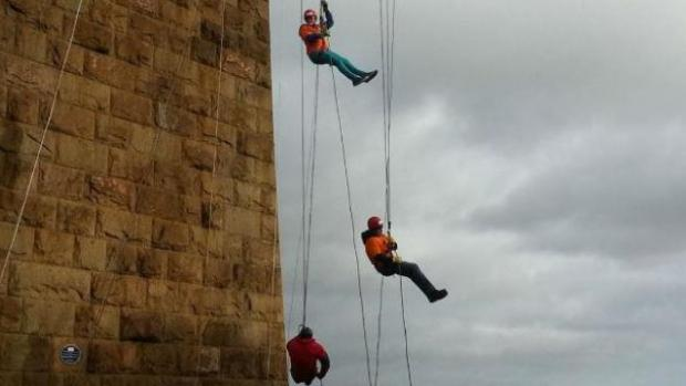 Photo: MS Superstars abseiling